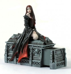 Picture of Await the Night Figurine Anne Stokes