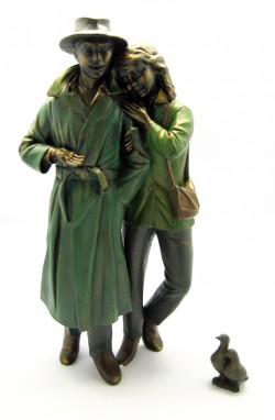 Picture of Tender Moments Couple Figurine Bronze (Piazza) 38 cm