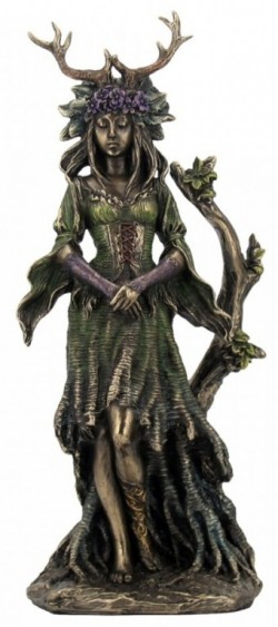 Picture of Lady Of The Forest Figurine 28 cm