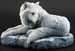 Picture of Guardian Of The North Wolf Figurine (Lisa Parker)