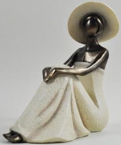 Picture of Elegant Sitting Lady Daydream Figurine 17cm