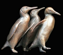 Picture of Penguin Group Figurine (Limited Edition) Michael Simpson