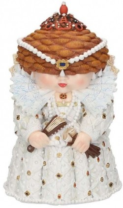 Picture of Queenie Figurine Mini Me Collection 14cm