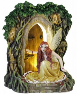 Picture of Threshold Fairy Figurine (Selina Fenech) 23cm LIGHT FEATURE MINOR DAMAGE SECOND