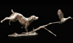 Picture of Cocker Spaniel with Duck Bronze Figurine (Limited Edition) Michael Simpson NEW