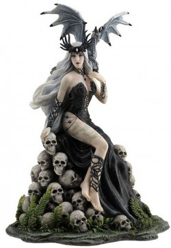 Picture of Mad Queen by Nene Thomas Figurine 26cm