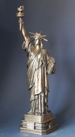 Picture of Statue of Liberty Bronze Figurine 31 cm