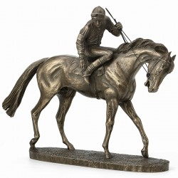 Picture of On Parade Horse Figurine David Geenty