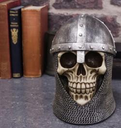 Picture of Knight Skull Ornament