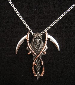 Picture of The Reapers Arms Necklace