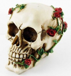 Picture of Skull and Roses Ornament