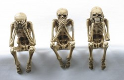 Picture of Three Wise Skeletons