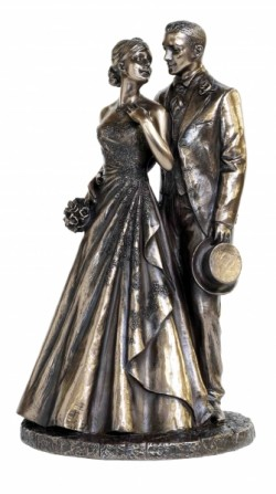 Picture of Just Married Bronze Statue