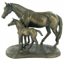 Picture of Mare and Foal Horse Figurine (Harriet Glen)